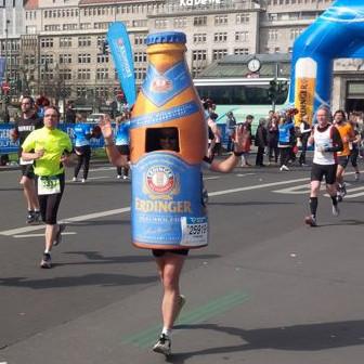 Als Flasche auf die Laufstrecke